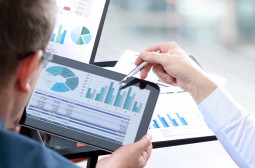 How to Become a Financial Analyst